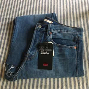 NWT Levi's Wedgie Straight Jeans